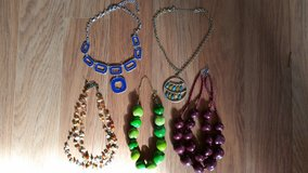 REDUCED: Pretty 5Pc Necklaces in Lockport, Illinois