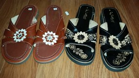 MARKED DOWN: New Leather Flower Sandals in Aurora, Illinois
