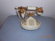 Telephone with Crable Handle in Dickson, Tennessee