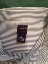 Boys Size 14 Regular Pinstripe Oxford Dress Shirt Like New in Naperville, Illinois